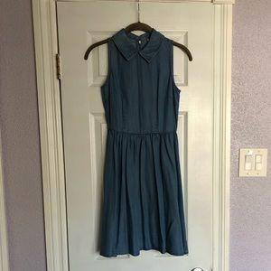 Cute sleeveless collared chambray dress